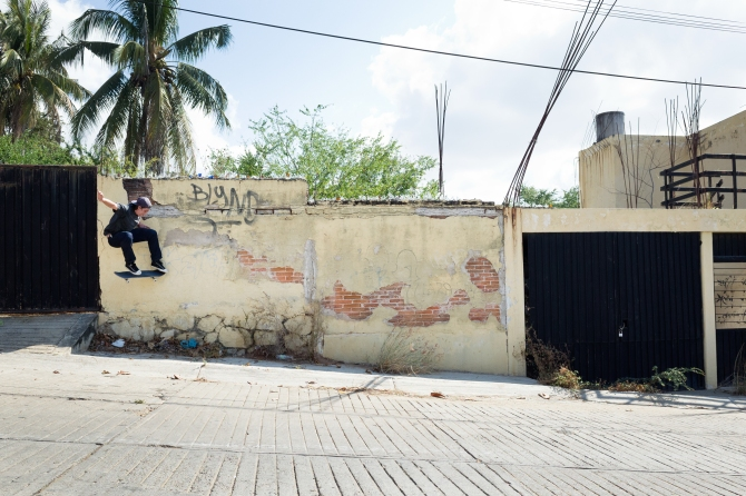 HENRY_KINGSFORD_WALLRIDE_NOLLIE_PUERTO_ESCONDIDO_MEXICO_PHOTO_SARAH_GRALEY